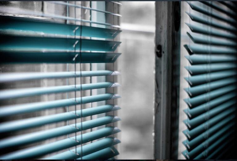 Galería Cortinas y persianas Alucristal 02