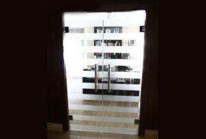 Galería Puertas Alucristal 06